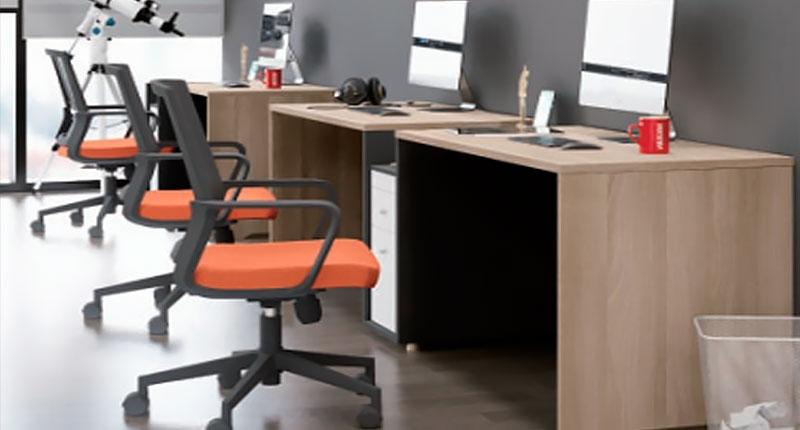 Стол из ЛДСП класса Е1, меламиновое покрытие цвет AKAZIE WOOD. Размер 1900W*600D*750H
