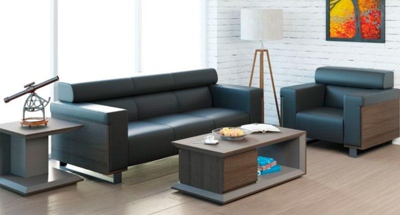 Комплект Мягкой мебели состоит из дивана и двух кресел. Обивка PU кожзаменитель высокого качества, обшивка боковушек из ЛДСП темно кофейного цвета.
