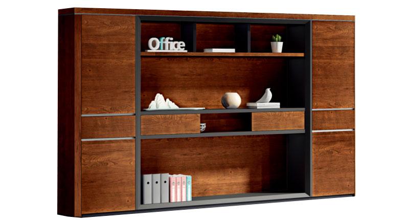 Шкаф Open Varnish из МДФ, класса Е1, с натуральным шпоном ореха 0,6 мм. 8 слоев открытого лака холм, цвет - орех. Подвесной рельс для ткани внутри (отсек под гардероб); двери с мягкими закрытыми петлями. Размер:280W0*402D*2200H