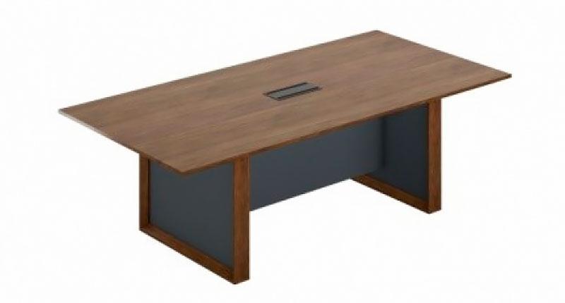 Конференц стол Open Varnish из МДФ, класса Е1, с 0,6 мм шпоном натурального грецкого ореха, 8 слоев открытой лакокрасочной отделки. Размер:2400W*1200D*760H