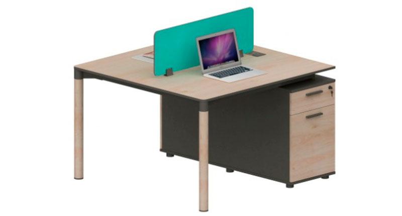 Офисный стол на 2 человека из ДСП, класса E1, с меламиновым покрытием. У стола прочные алюминиевые ножки