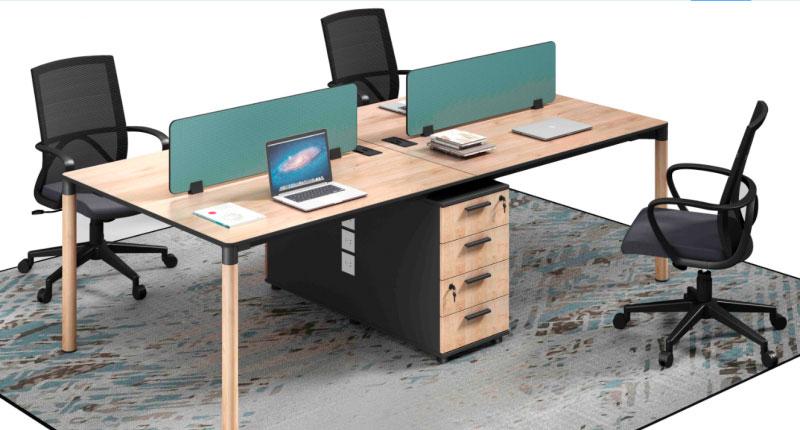 Стол офисный из ДСП, класса E1, с меламиновым покрытием. У стола прочные алюминиевые ножки. Встроенная фиксированная тумба имеет двери с мягкими закрытыми петлями, ящик оснащен замком. Размер: 2400W*1200D*750H