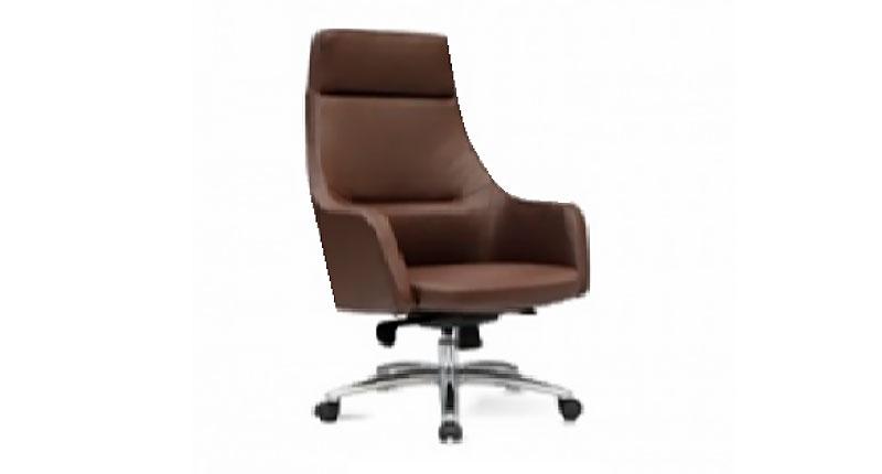 Офисное кресло с алюминиевой пятизвездочной базой на роликах. Обивка эко кожа коричневого цвета. Размер: 680W*660D*1170H