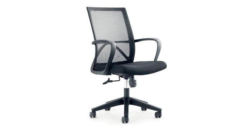 Офисное кресло, каркас полиуретан, крестовина из металла, основа на роликах, спинка сетчатая-прочная. сидушка матерчатая. Размер: 590W*660D*1075H