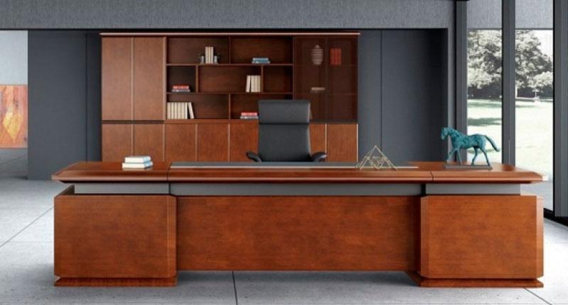 Стол Open Varnish, из  МДФ, класса Е1, облицовка шпоном из натурального ореха 0,6мм, 8 слоев открытой лакокрасочной отделки
