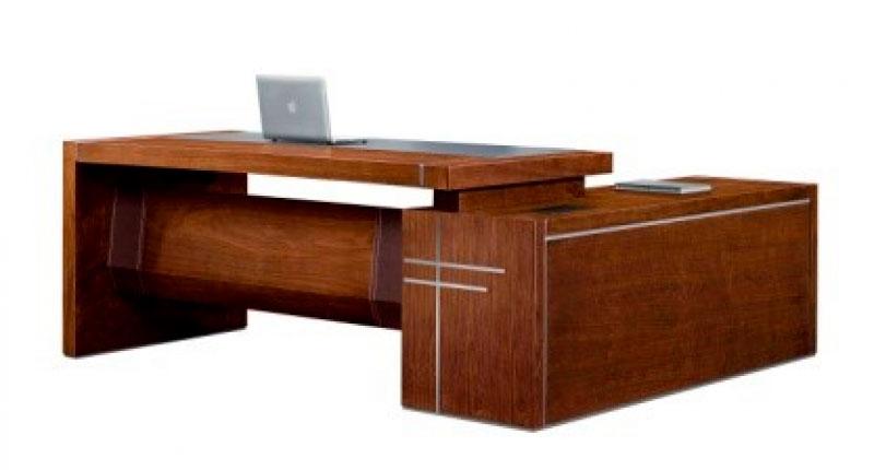 Офисный стол Open Varnish, из МДФ класса Е1, натуральный шпон ореха. Размер: 2400W*2080D*760H. Встроенная тумба оснащена корпусом для проводки
