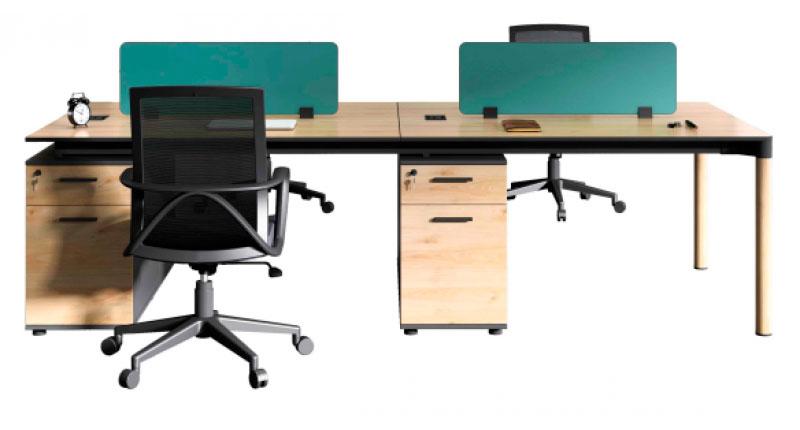 Офисный на 4 человека, из ДСП, класса E1 с меламиновым покрытием. У стола прочные алюминиевые ножки